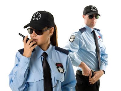 Nhân viên bảo vệ là những người trực tiếp làm việc tại mục tiêu cần được bảo vệ, phải đối phó trực tiếp với nhiều tình huống xấu khi xảy ra trong quá trình làm việc. Để đảm bảo nhân viên bảo vệ có thể hoạt động tốt các công ty bảo vệ cần trang bị những công cụ hỗ trợ cũng như hành trang vững vàng cho nhân viên bảo vệ của mình để có thể hoàn thành tốt nhiệm vụ được giao.