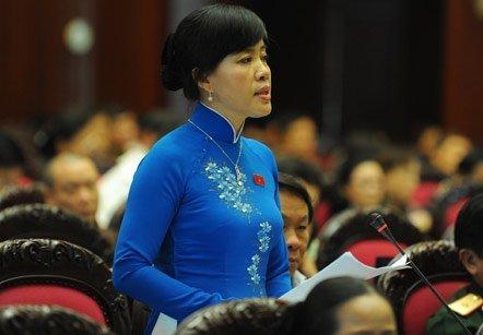 Góp ý dự thảo Hiến pháp sửa đổi chiều 16/11, Bộ trưởng Tư pháp Hà Hùng Cường đề xuất phải khẳng định quyền phúc quyết của dân với Hiến pháp.